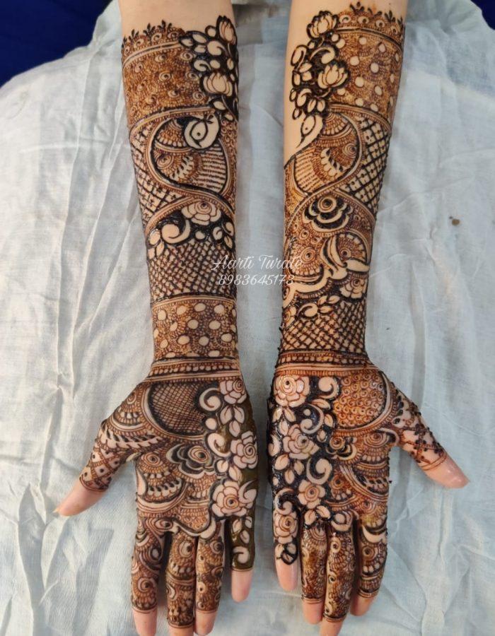 Both Hands Mehendi Art by Aarti Turate